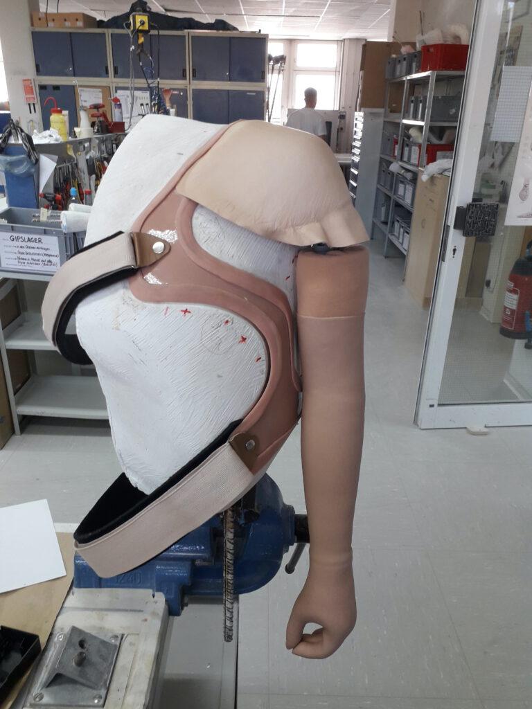 義肢装具7